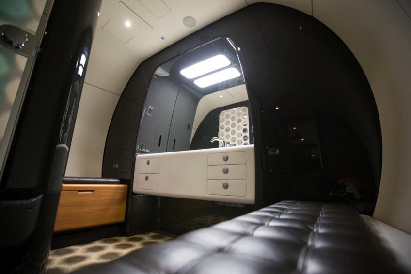 Luxurious jet bathroom