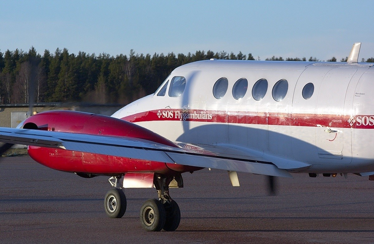 Exterior of the 1985 KING AIR B200 S/N BB-1210 plane on Freestream